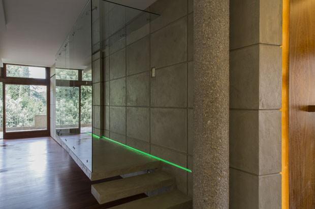 Lorena Cavalcanti: Casa une concreto, tecnologia e história