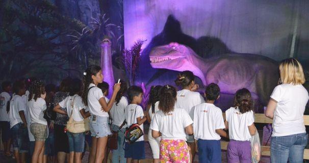 Alunos participam das comemorações do mês da criança (Foto: TV Sergipe/ Divulgação)