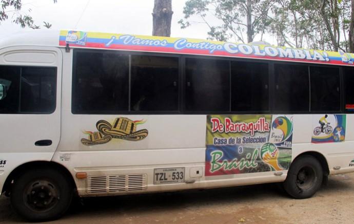 Ônibus dos ciclistas colombianos CT Cotia (Foto: Marcelo Prado)