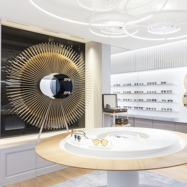 A área interna da loja privilegia um design minimalista (Foto: Raphaël Dautigny)