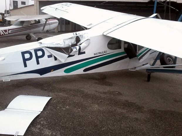 Temproal danificou aviões estacionados no Aeroclube de Sorocaba (Foto: Arquivo pessoal)