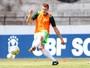 Com proposta do futebol árabe, Alemão pede para deixar o Santa