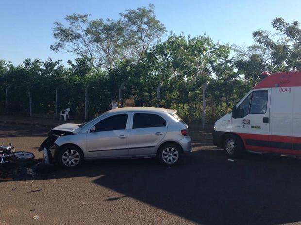 V�timas estavam na moto que ficou destru�da (Foto: Jeferson Ageitos/ TV Morena)