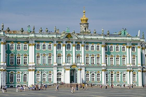 Símbolo de São Petersburgo, o Palácio de Inverno é hoje parte do Museu Hermitage, um dos maiores do mundo  (Foto: © Haroldo Castro/ÉPOCA)