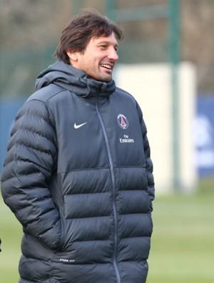 Carlo Ancelotti Leonardo PSG (Foto: Reprodução / Site Oficial)