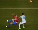 Fifa se reúne e analisa se golaço de Torres concorrerá ao Prêmio Puskás