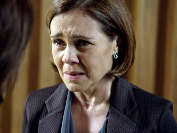 Inês fica chocada com armação de Beatriz (Foto: TV Globo)