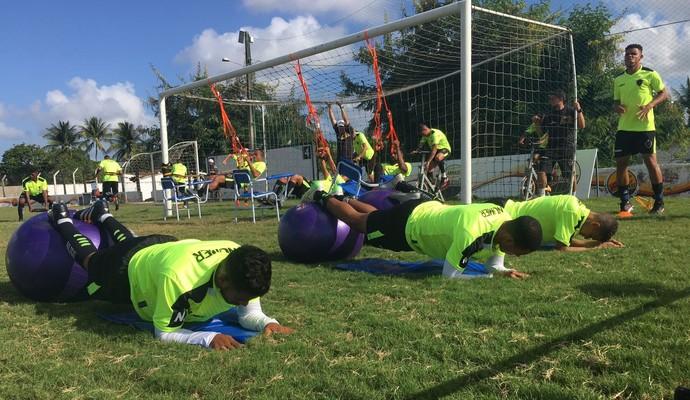 Jogadores do Botafogo-PB fazem funcional (Foto: Divulgação / Botafogo-PB)