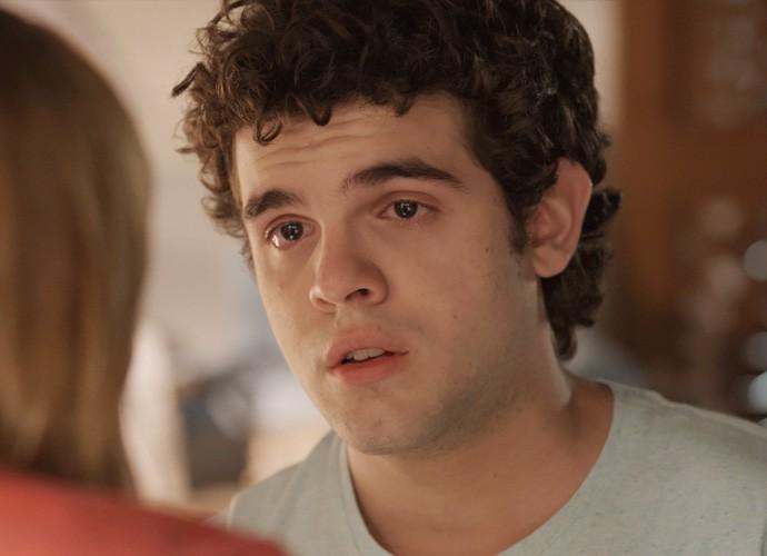 Bernardo chora com revelação (Foto: TV Globo)