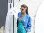 Gisele Bündchen usa vestido justo e mídia internacional aponta gravidez