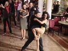 Carol Castro e outros participam de 'flashmob' de 'Dança dos Famosos'