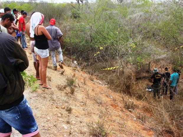 Vítima foi resgatada na manhã de domingo (19), após passar a noite no local do acidente (Foto: Raimundo Mascarenhas / Site Calila Noticias)