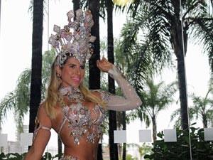 Fantasia branca usada por Ana Paula em 2010 custou R$ 5 mil (Foto: Clara Velasco/G1)