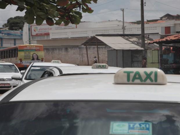 Profissionais reivindicam reajuste de 34% na tarifa cobrada pelo serviço (Foto: Biaman Prado / O Estado)