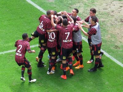 Arena da Baixada; Atlético-PR; Chapecoense; Hernani (Foto: Fernando Freire)