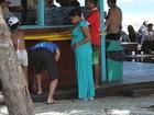 Grávida, Quitéria Chagas curte dia de praia no Rio e exibe barrigão