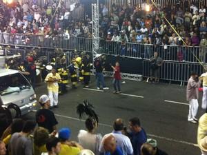 Unidos do Bairro Alto abriu os desfiles (Foto: Fernando Castro/G1)