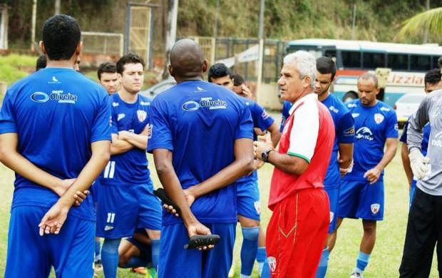 Conrado(Centro), é uma das esperanças do Novo Esporte. (Foto: Renato Gonçalves / Novo Esporte)