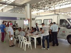 Equipe da prefeitura realizada abordagens no Terminal de São Torquatro (Foto: Divulgação / Prefeitura de Vila Velha)