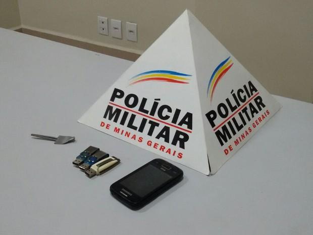 Material recuperado de assalto à residência em Ipatinga (Foto: Polícia Militar/Divulgação)
