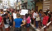 Familiares de presos fazem novo protesto contra proibição de visitas (Lucas Leite/G1)