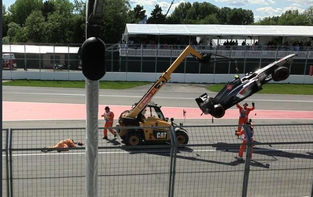Fiscal é atropelado após GP do Canadá de Fórmula 1 (Foto: Reprodução/Twitter)