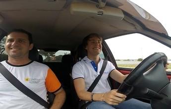 Piloto da Fórmula 4 italiana tira carteira de habilitação em Palmas