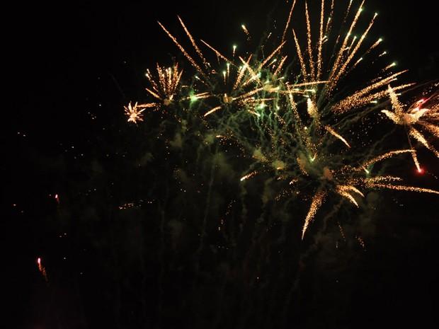 Fogos de artifício no Show de Verão 2012 (Foto: Aliny Mary Dias/G1MS)