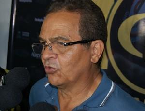 Francisco Diá, treinador do Campinense (Foto: Silas Batista / GloboEsporte.com/pb)