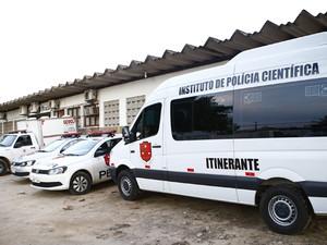 Perícia foi realizada por técnicos do IPC (Foto: Kleide Teixeira/Jornal da Paraíba)