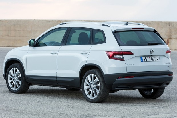 Desenho externo do Karoq é bem diferente do adotado pela linha atual da VW (Foto: Divulgação)