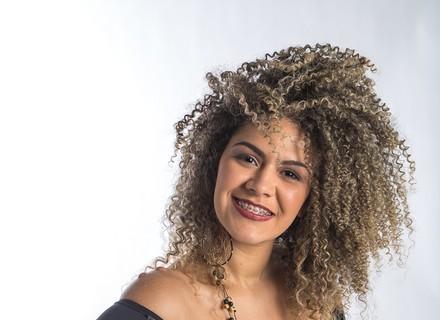 Primeira participante do Amapá no 'The Voice Brasil', Ariel garante vaga no Time Brown