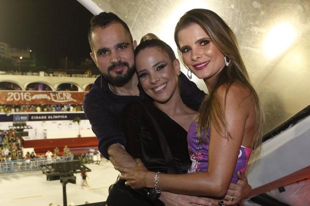 Luciano, Wanessa e Flavia Fonseca (Foto: Isac Luz / EGO)