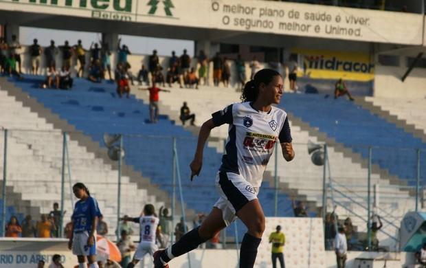 Atacante Pingo marcou um dos gols da vitória do Pinheirense diante do Viana (MA) (Foto: Marcelo Seabra/O Liberal)