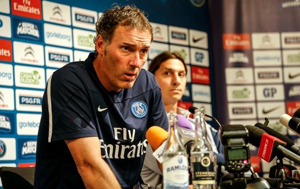Laurent Blanc coletiva PSG (Foto: Reuters)