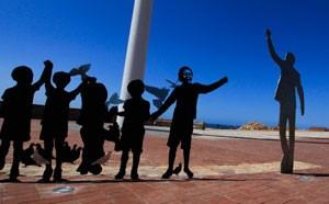 Escultura 'The Voting Line', em Port Elizabeth (Foto: Divulgação/South African Tourism)
