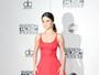 Selena Gomez marca presença no American Music Awards 2016