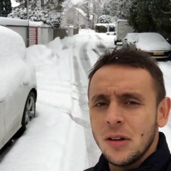 Rafinha mostra rua coberta de neve