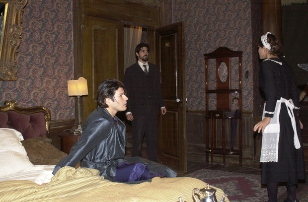 Paulo Ricardo com Reynaldo Gianecchini e Priscila Fantin na novela Esperança (Foto: João Miguel Júnior/Globo)