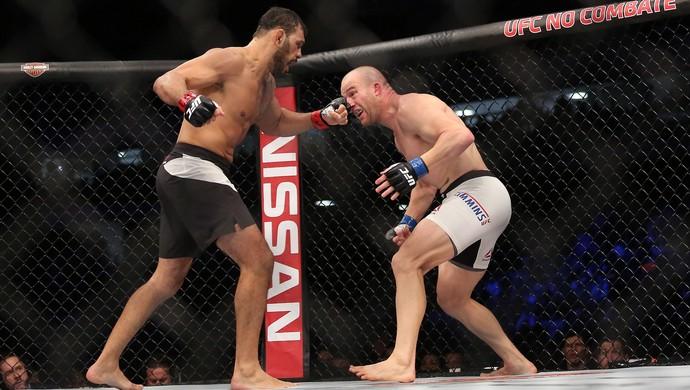 Rogério Minotouro x Patrick Cummins UFC 198 (Foto: Giuliano Gomes/PR PRESS)