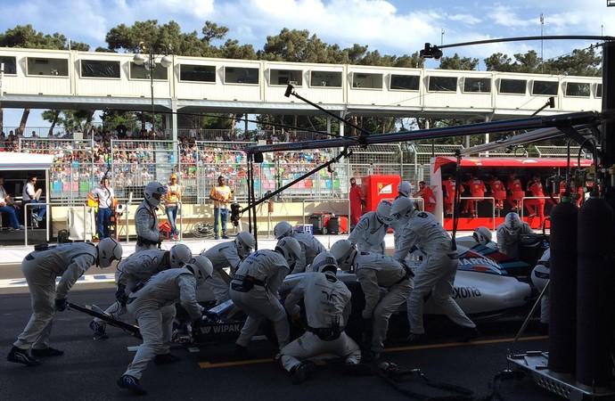 Pit stop da Williams no GP da Europa (Foto: Divulgação)