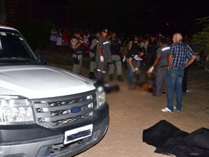 Dois homens foram assassinados em Santa Rita, na Paraíba (Foto: Walter Paparazzo/G1)
