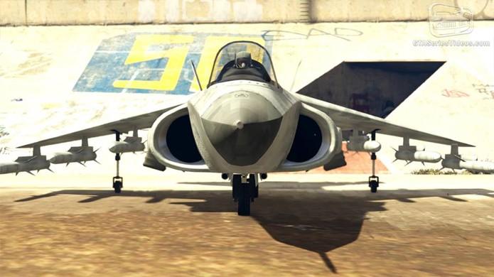 O avião caça Hydra une velocidade e poder de fogo nos céus (Foto: Reprodução/GTA-Series)