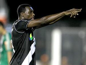 Carlos Tenório comemora gol do Vasco (Foto: Marcelo Sadio / Site Oficial do Vasco da Gama)