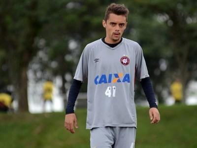 Matheus Ribeiro; lateral-direito; Atlético-PR (Foto: Site oficial do Atlético-PR/Gustavo Oliveira)