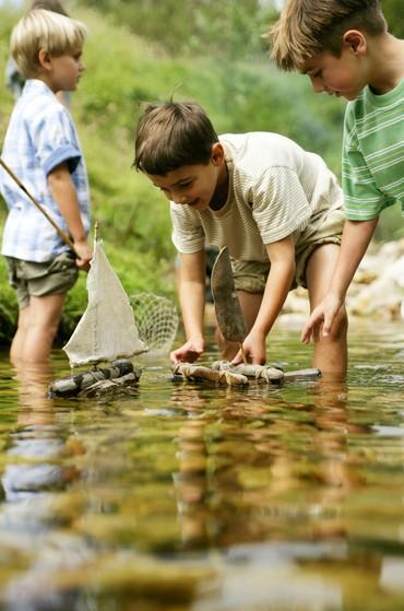 Brincar ao ar livre (Foto: Thinkstock)