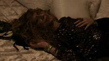 Isabel sofre ao se lembrar de Augusto