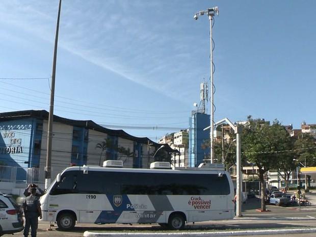Central móvel funciona das 7 às 21 horas, em frente à Rodoviária de Vitória (Foto: Reprodução/TV Gazeta)