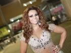 Viviane Araújo brilha com cristais em festa de carnaval no Rio