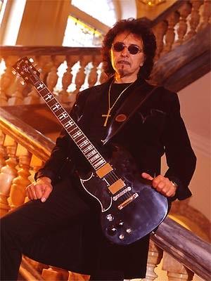 O guitarrista Tony Iommi (Foto: John McMurtrie/Divulgação)